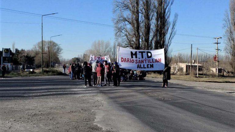 Organizaciones sociales cortan las Rutas 65 y 22 en el día de San Cayetano