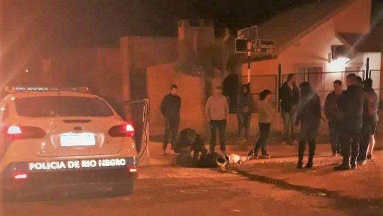 Intentaron linchar a jóvenes acusados de romper autos con un fierro