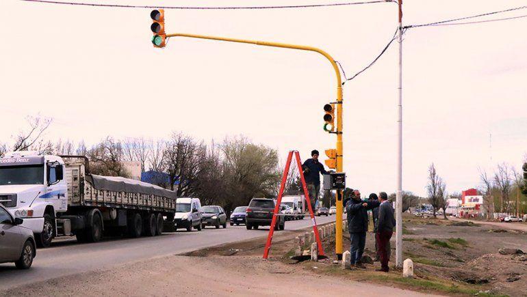 Desde mañana queda habilitado el semáforo en la Ruta 22