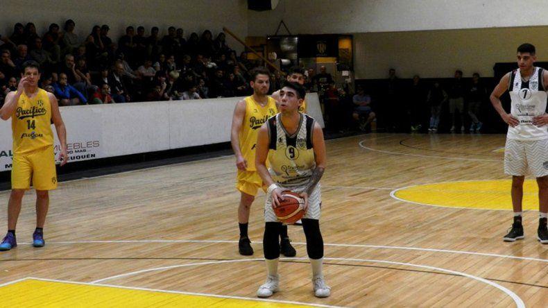 El equipo albinegro de básquet continúa a full con la pretemporada
