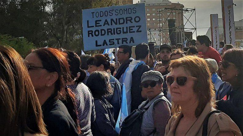 Los militantes de Rodríguez Lastra dijeron presente en el acto de Macri en Neuquén