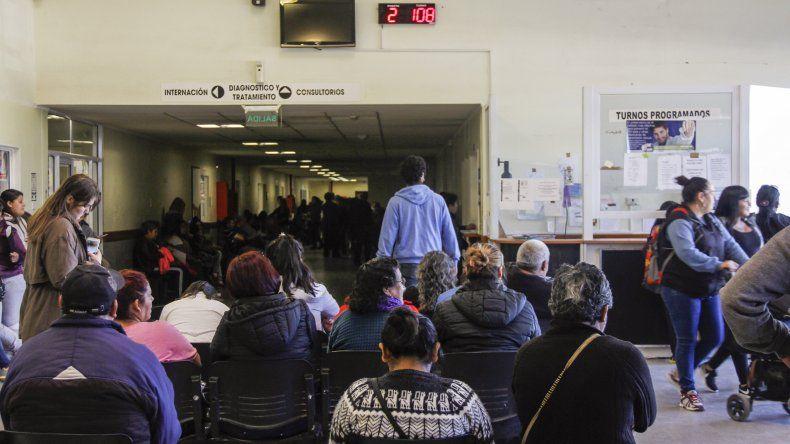 El hospital extrema cuidados: pide a la comunidad reducir su ingreso