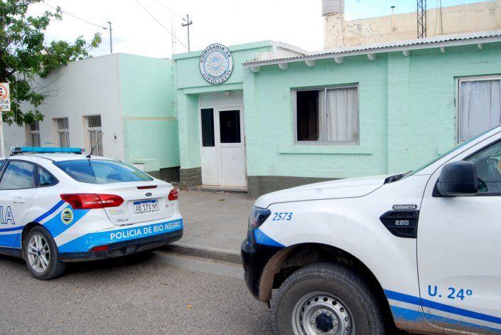Cayeron presos por violar la cuarentena con un arma en un inquilinato del Don Bosco