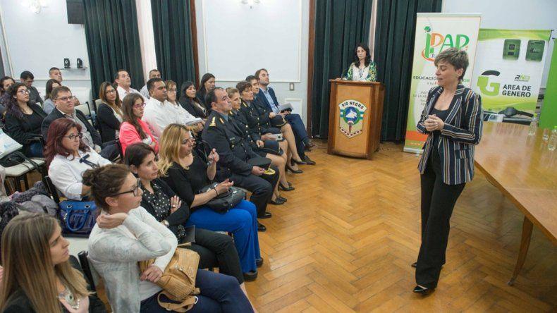 La Policía de Río Negro se capacitó en perspectiva de género
