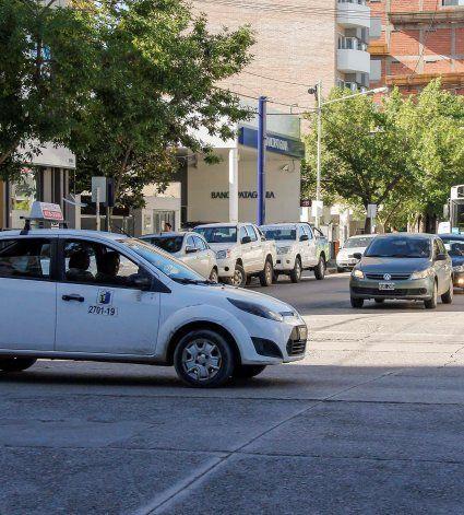 Los taxistas se suman al tarifazo con suba del 20%