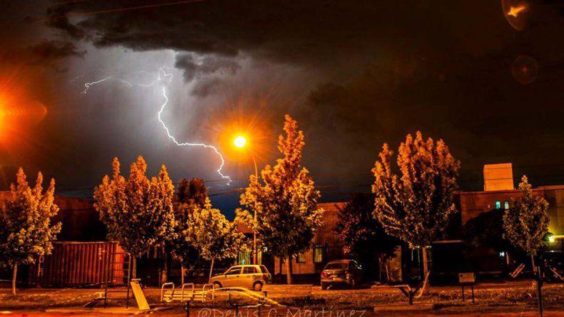 Se viene un finde con lluvia, tormenta y viento