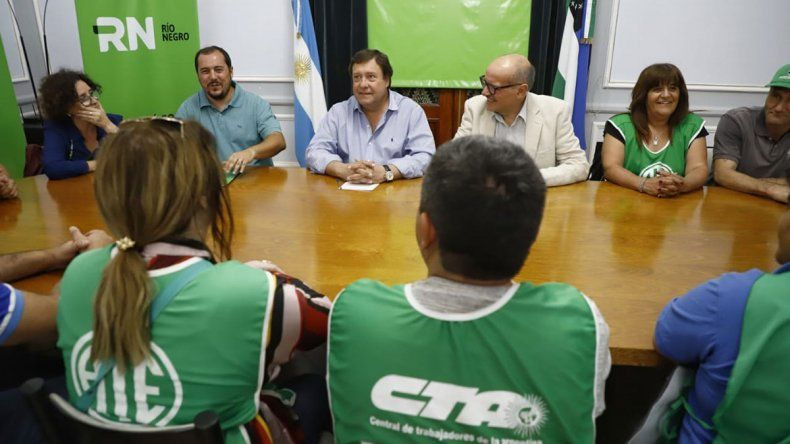 Weretilneck se reunió con la nueva dirigencia de ATE