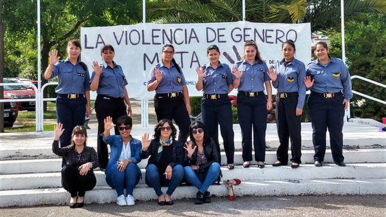 Policías hicieron una intervención en contra de la violencia hacia las mujeres