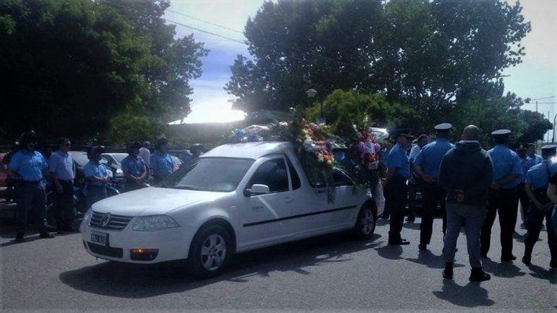 Emotiva despedida al policía Amaya en Plottier