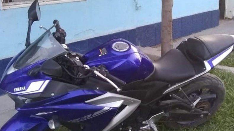 Recuperan valiosa moto robada en la toma 2 de Febrero