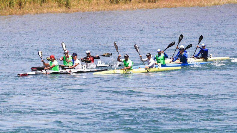 La familia Pinta ganó su primera etapa en la Regata del río Negro
