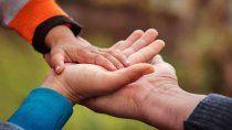 cuatro nenas buscan urgente una familia solidaria