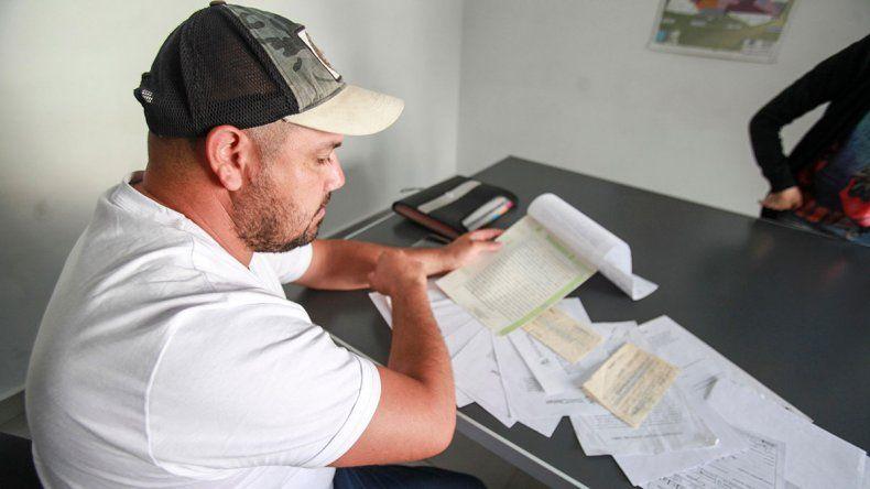 Disputa de tierras en Santa Elena: apareció el acusado y dijo que él es el estafado