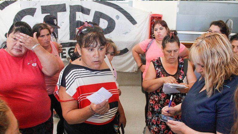 Protestaron en el hospital por falta de turnos y remedios