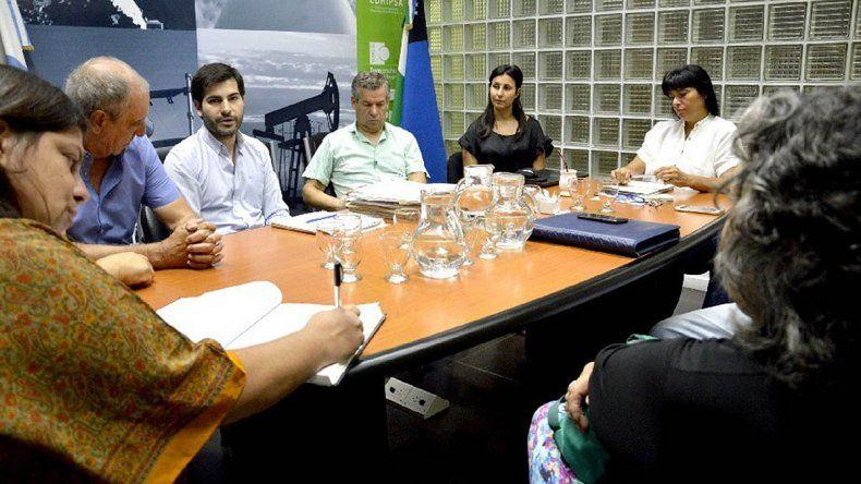 Avanza la proyección de obras de gas y electricidad para Las Perlas