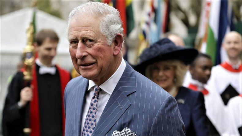Gran Bretaña: el príncipe Carlos dio positivo de coronavirus