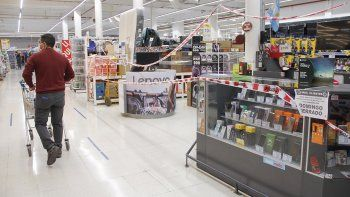 alarma por casos de coronavirus en supermercados cipolenos