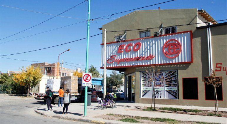 Multaron a supermercado chino por sobreprecios