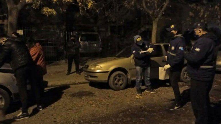 Se drogaban en el interior de un taxi y los demoraron