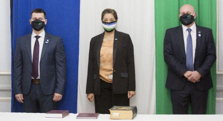Carreras tomó juramento al nuevo Ministro de Desarrollo Humano y al Secretario General