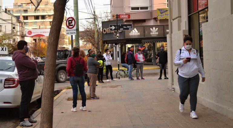 Desde el lunes, amplían el horario de atención de los comercios en Río Negro