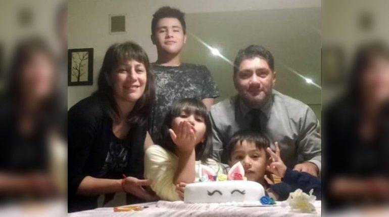 Policías sorprendieron a una nena de 7 años con una torta de cumpleaños
