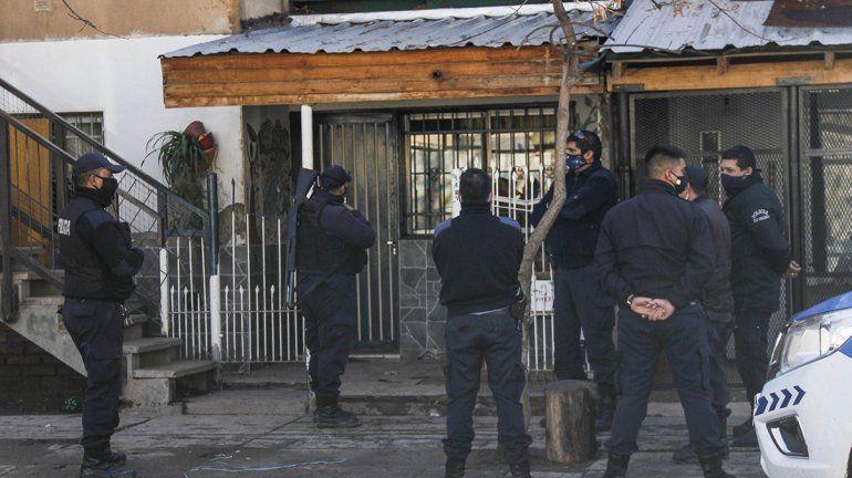 Allanaron la casa de la viuda negra cipoleña en las 1200 Viviendas