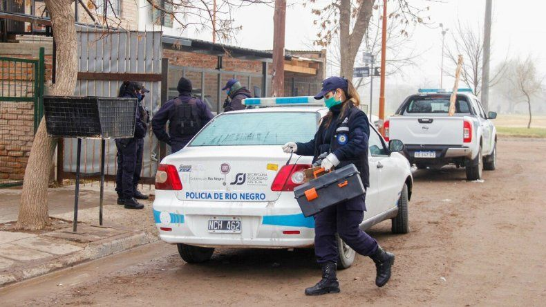 Le rompieron la cabeza a un policía durante un allanamiento en las 1200 viviendas