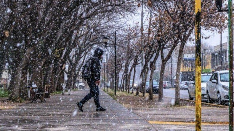 ¿Volvió la nieve? En algunas zonas del Valle cayeron copos