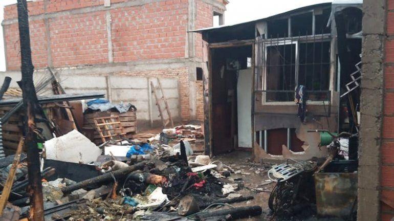 Familia del Barrio Obrero lo perdió todo tras incendiarse su vivienda