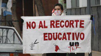 docentes arrancaron semana de protestas con un semaforazo