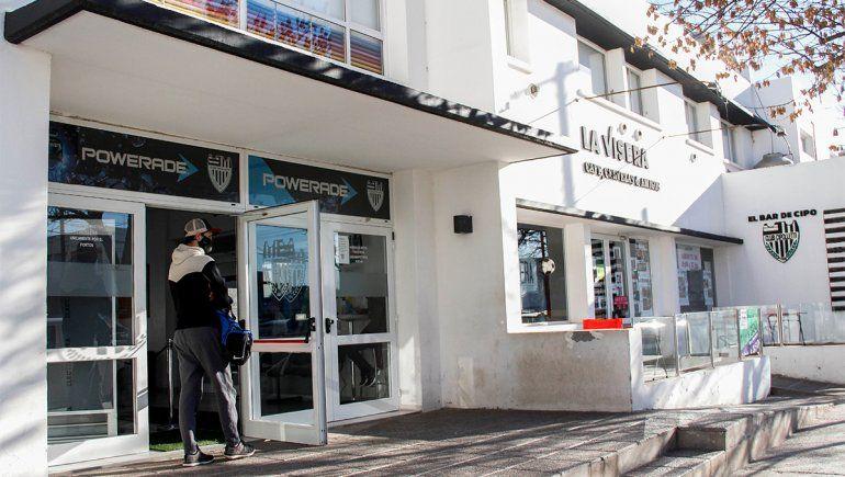 El Albinegro reabrió las puertas del club