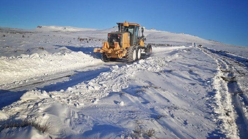 Restringen el tránsito en rutas de la Región Sur y Andina por fuertes nevadas