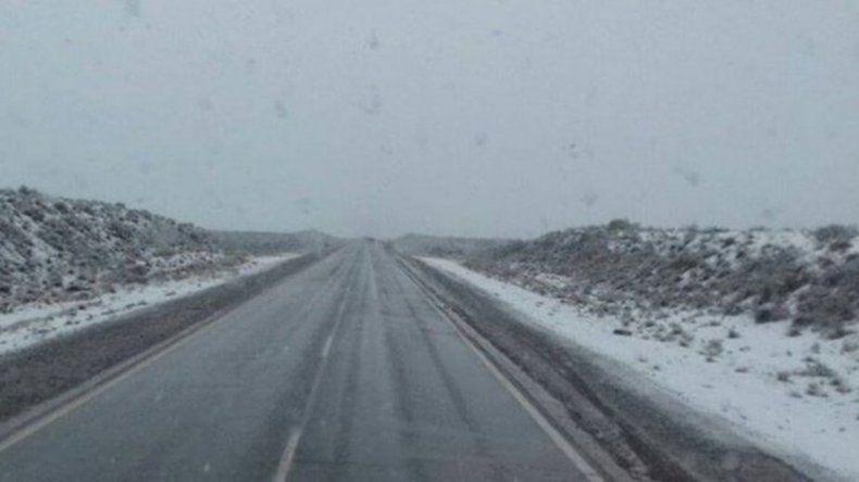 Cierran la Ruta 151 por acumulación de nieve