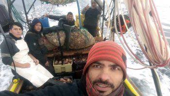 san antonio: asi colectan vieiras los buzos marisqueros
