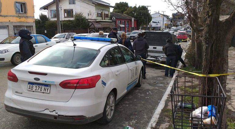 Policía amenazó con su arma a un peatón tras un accidente de tránsito