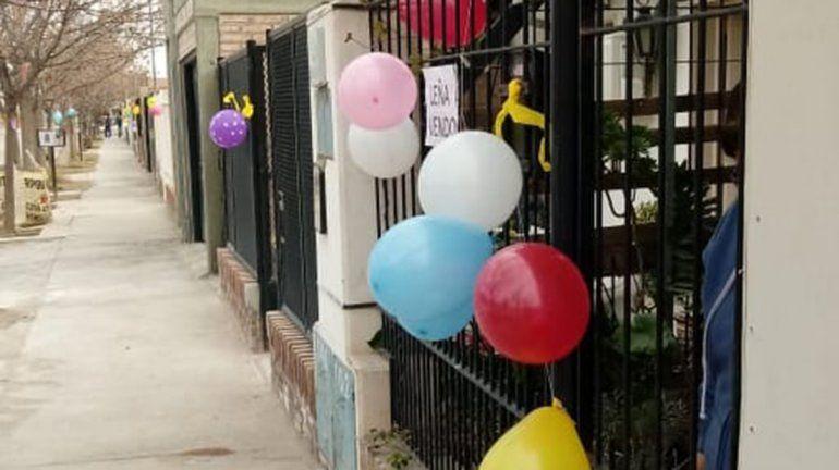 Vecinos decoraron sus casas para alegrarle el día a los más pequeños