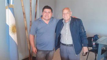 El pastor Fabio Huenchunao y a su lado, Luis Anastassi