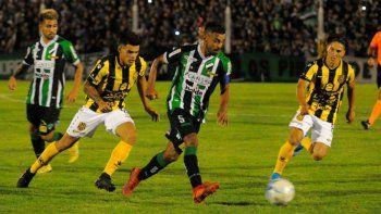 villa mitre quiere al menos seis clubes en el reducido
