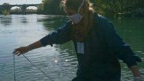 monitorean calidad del agua de los rios limay, neuquen y negro