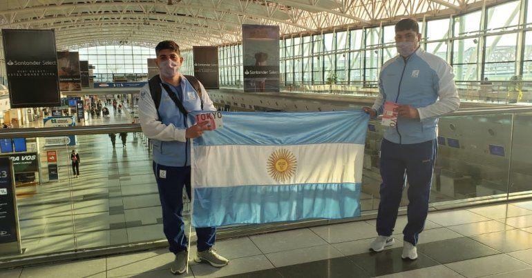 Hernán Urra y su entrenador Federico Salazar ya se encuentran en Tokio.