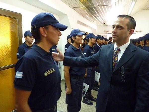 Larreguy confirmó obras policiales para General Roca en egreso de nuevos policías