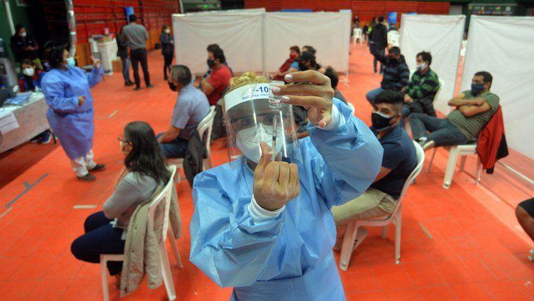 Vacunación: Neuquén ya abrió la inscripción para los mayores de 40 años