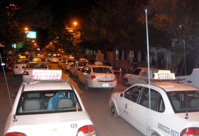 Los trabajadores de taxis de Cipolletti solicitan más prevención en la ciudad para evitar los robos.