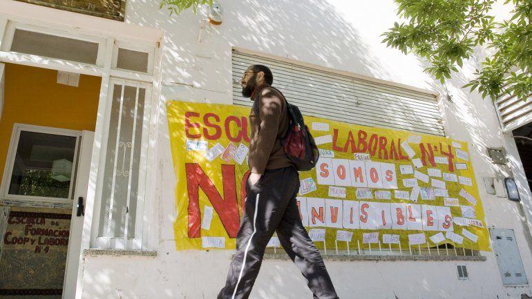 La comunidad educativa de la Escuela Laboral 4 exige la urgente construcción del edificio propio.