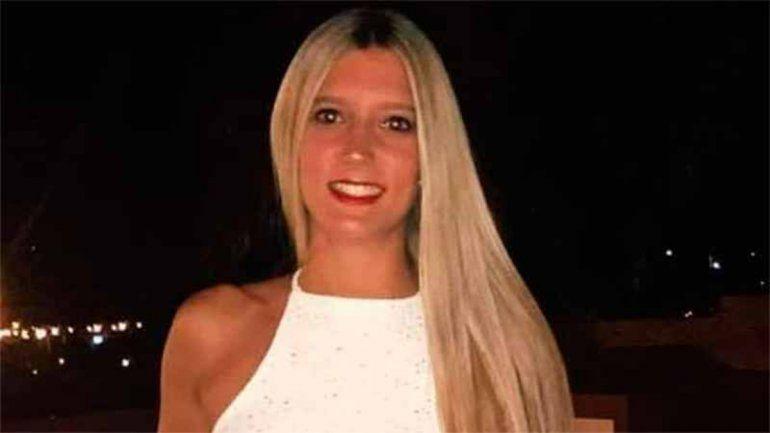 Paraná: buscan a una joven que cayó a un arroyo con su auto