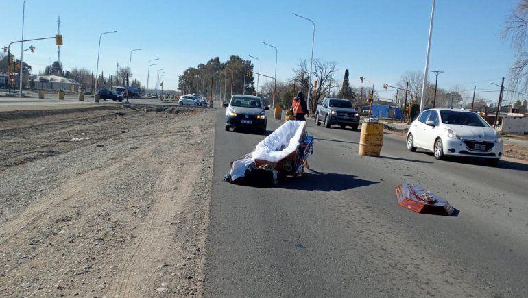Un coche fúnebre perdió el cuerpo en plena Ruta 22