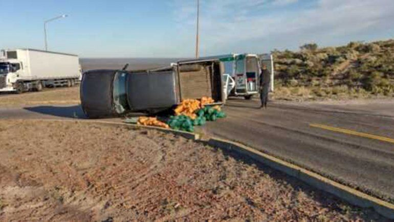 Brutal accidente entre una camioneta y un auto sobre la Ruta 151