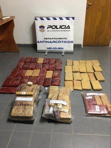 Millonario cargamento de droga escondido en una camioneta