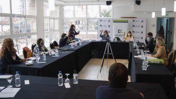 La titular del Deliberante, Silvana Larralde, destacó la necesidad de avanzar en la discusión y definición de iniciativas impulsadas por el gobierno comunal.